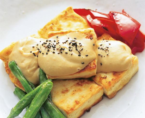 豆腐の実力 豆腐ステーキごま