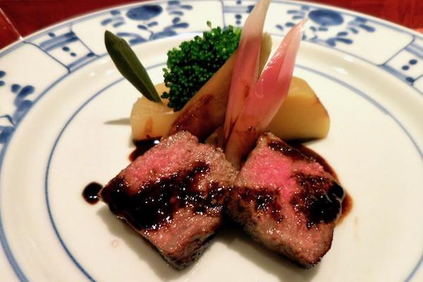 小豆島・オリーブの楽園②まろやか!柔らか! オリーブで育ったハマチ・牛・豚の格別な味わい