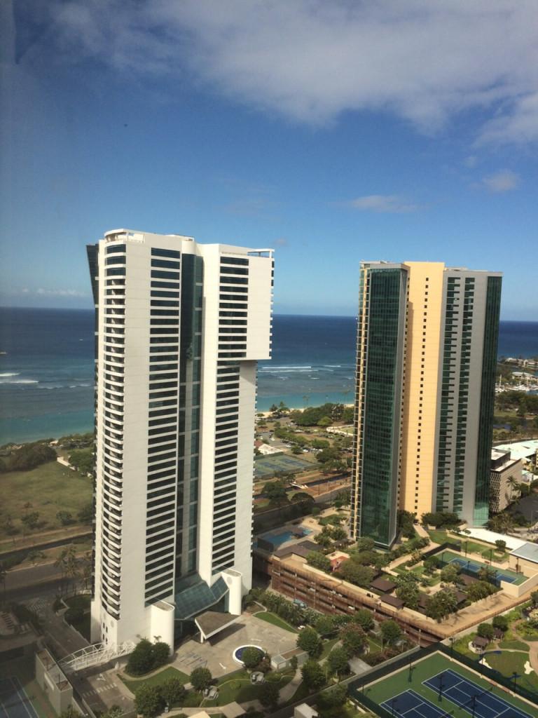 今回ステイするタワーマンションからの眺め。