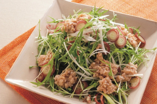 第3章 ミラクル免疫力をつけて、老けない食べ方/レシピ8:水菜の納豆ドレッシングサラダ