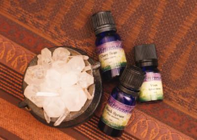 ホルモンバランスを整える精油。クラリーセージ、バイテックス、ブラックスプルース