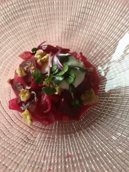 写真01_ビーツと赤い野菜のマリネ