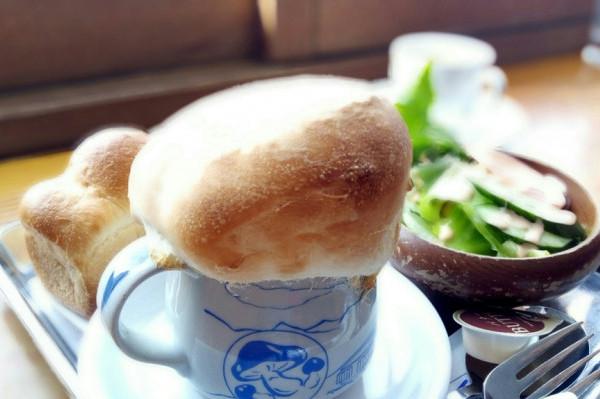 全国各地からパン好きの方が訪れる、知る人ぞ知る「雲の上のパン屋さん」
