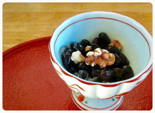 樫出さん 黒豆と胡桃の煮物