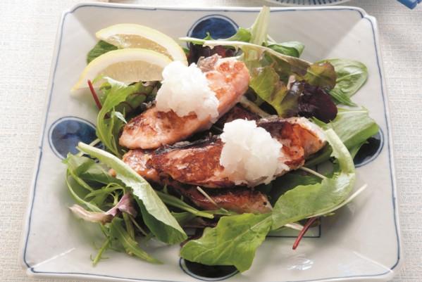 第3章 ミラクル免疫力をつけて、老けない食べ方/レシピ51:鮭の塩麹にんにく焼き