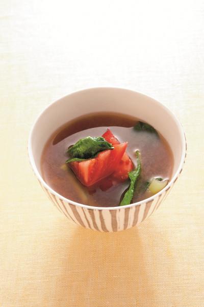 免疫力レシピ59:小松菜とトマトの味噌汁