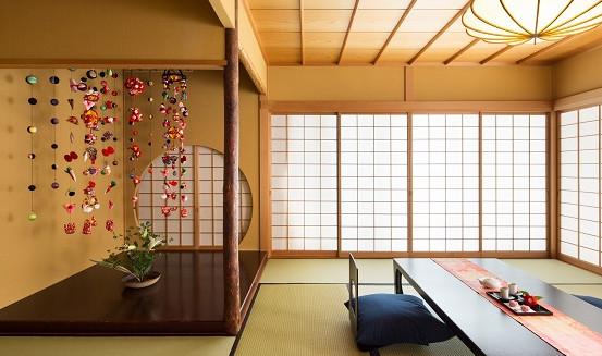 【界伊東】ご当地部屋「つるし飾り 椿の間」1