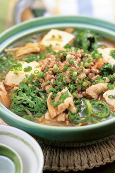 豆腐の実力 豆腐と春菊の納豆チゲ