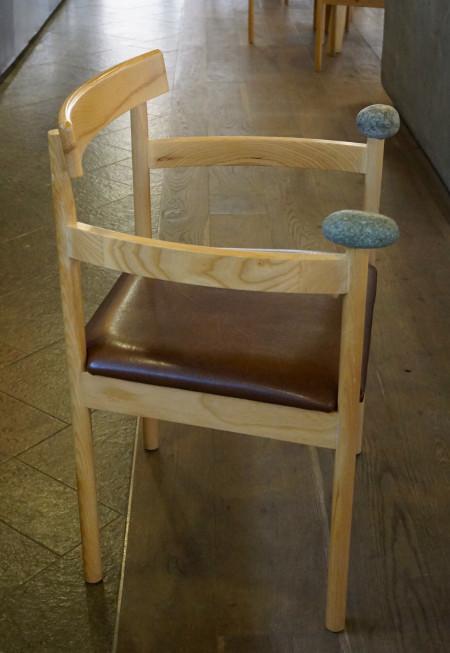 井原さん 椅子