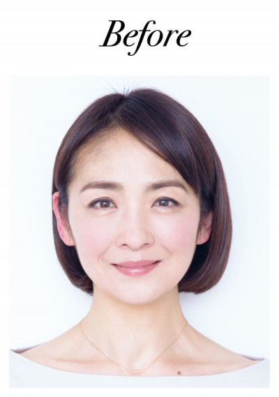 読者モデルの斎藤佳子さん(50代前半)。全体の毛量は多いほうなのに、前髪部分の髪の分量が少ないため、前から見るとボリュームが少なく、寂しげに見えてしまうのが悩み。そこで、最初に前髪を増やしてから、ハチ上・つむじの上を増やしていくという方向に決定