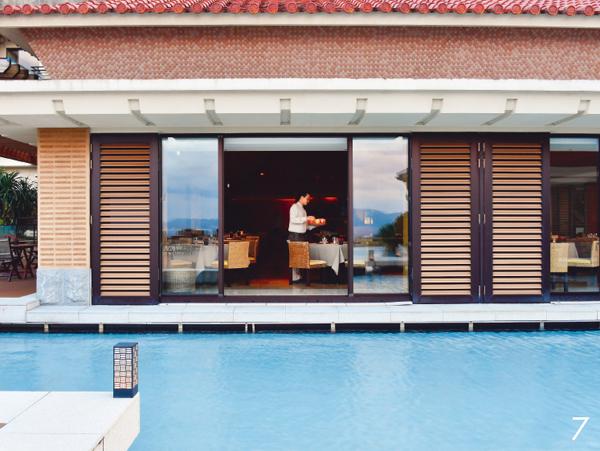 沖縄ウェルネストリップ リッツカールトン オールデイダイニング 「グスク」