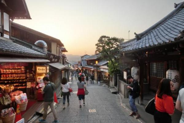京都、清水寺と雑貨屋COHAKU、そして祇園の奥座敷『京料理花咲萬次郎』へ