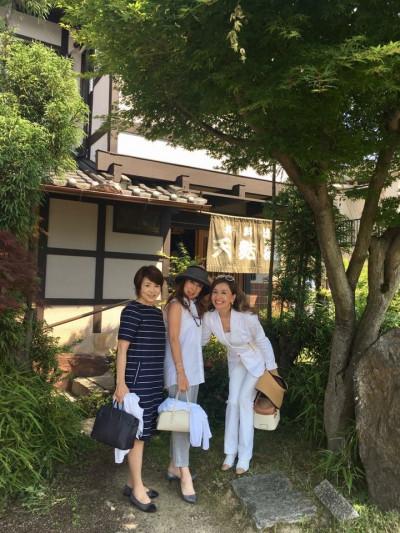 嵐山 天ぷら松^_−☆ 寂聴さんはお元気を回復され、ご自身で二階のお部屋に上がり、コースをほぼ完食なさったそうです❣️ 流石、素晴らしいですね✌️
