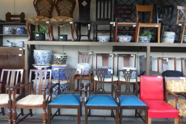 時代和家具の店、アンティーク山本商店へ。古家具修理もできるんです