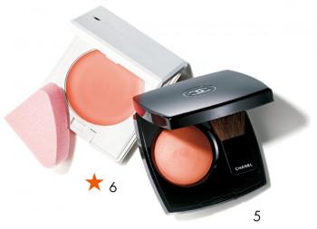 5.明るいアプリコットオレンジのチーク。透明感ある発色で、肌に馴染んで自然に仕上がります。ジュ コントゥラスト 76¥5,500/シャネル 6.肌に溶け込むように馴染んで内側から発色するような仕上がり。キッカ フローレスグロウ フラッシュブラッシュ 03 ¥5,000・スポンジ(2個入り)¥1,000/カネボウ化粧品