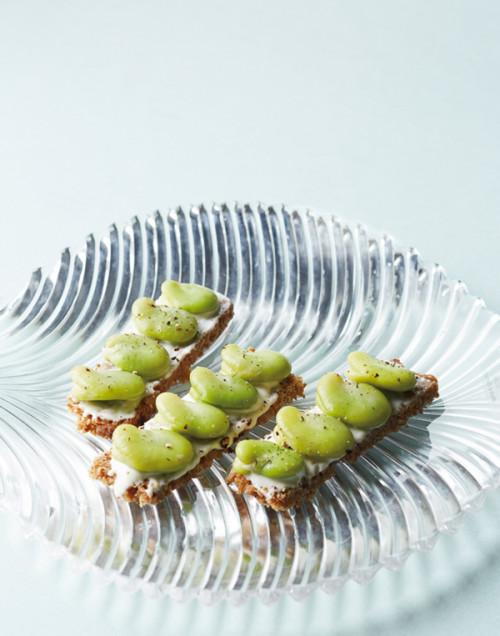 「食」のトレンド10 ヨーグルト&白味噌 ペーストのオープンサンド