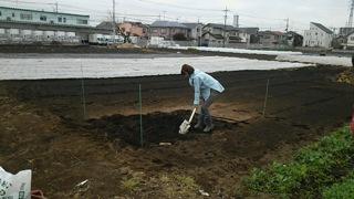 加藤紀子2 畑作業
