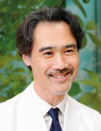 耳鼻咽喉科医師。東京ロンフェルメ 耳鼻いんこう科院長。いびきや睡眠時無呼吸症候群の治療に力を入れ、日帰りレーザー治療に定評。丁寧なカウンセリングで女性患者も多い。 http://www.ibiki-clinic.com/