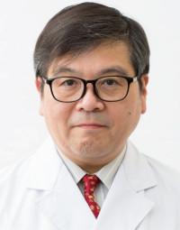杏林大学医学部付属病院精神神経科准教授。睡眠医療認定医。睡眠時無呼吸症候群のほか過眠症やムズムズ脚症候群といった睡眠障害の治療が専門。患者の話に穏やかに耳を傾ける。 http://www.kyorin-u.ac.jp/
