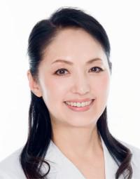 1956年生まれ。歯科医。宝田歯科医院院長。日本アンチエイジング歯科学会常任理事。認定睡眠改善インストラクター。歯科治療にくちびるエクササイズを取り入れ、口元全体の美しさを目指す。 http://www.takarada-dc.com/