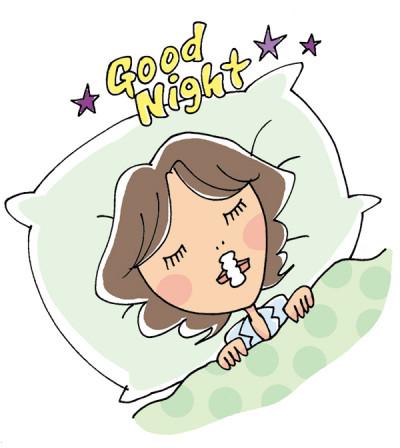 口呼吸をしていると、口内から水分が蒸発するため口と喉が乾燥しやすくなる。また舌の付け根が落ち込むことで空気の通り道が狭くなり、いびきが発生する可能性が。それらによって低下するのが睡眠の質。鼻呼吸テープは、物理的に口を閉じて、鼻呼吸に誘導することで、口腔内を潤わせてくれ、またいびき音を軽減してくれる