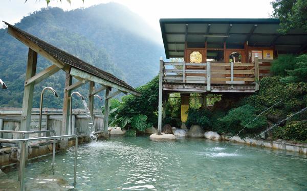 錦水温泉飯店 冷泉露天風呂