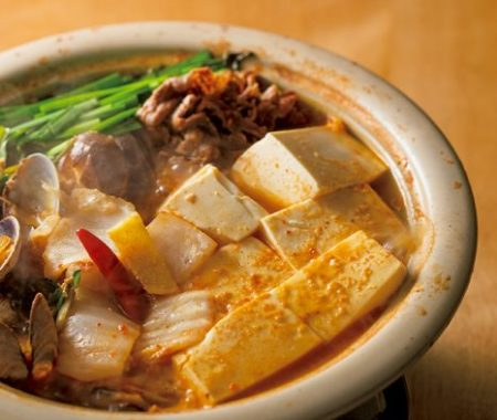 豆腐とアサリ、牛肉のチゲ