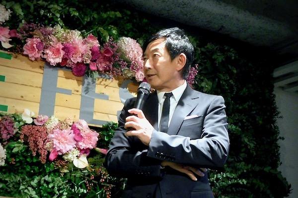 石田純一さん(63)の若さはどこから?肌艶ピカピカで、スタイルもずっと変わらないワケは。
