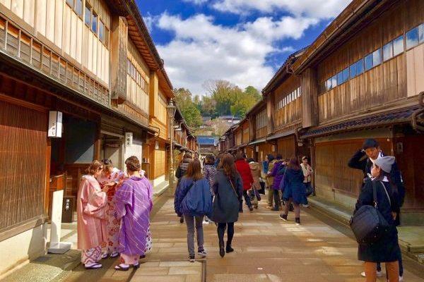 娘と二人旅、金沢で和菓子作りと感動の海鮮丼!