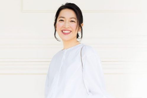 スタイリスト坂本久仁子さんが羽田美智子さんにアドバイス/オール白の着こなしはどうする?