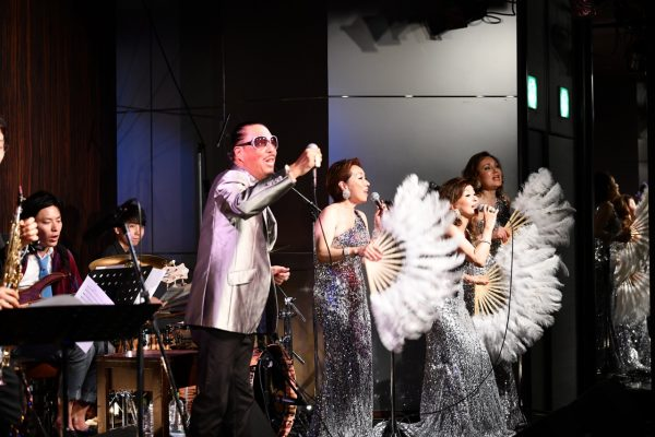 The Fujiyama Sistersのディナーショー開催。ブラザーコーンさんの友情出演で盛り上がりました!