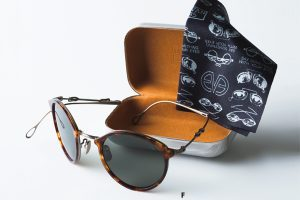 大人のメガネスタイルを格上げする最新ニュース8/(前編)折りたたみ式サングラス、鼻パッドなしのメガネほか