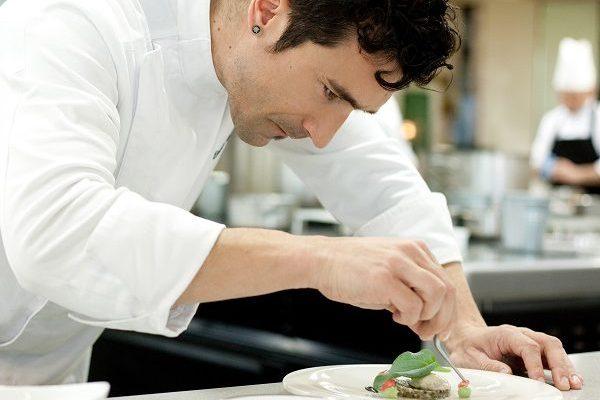 「世界が愛した料理人」とは?