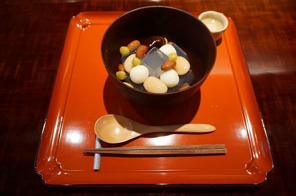 円山公園にある茶人好みの甘味処「茶菓 円山」