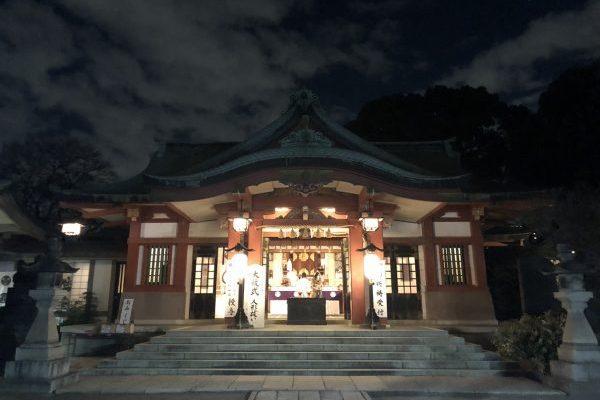This is Japanという雰囲気を味わいたく、品川神社の年越しのお手伝いに参加しました
