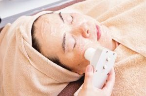 乾燥老化⑰乾燥肌の真実 (番外編その2):  同窓会などのイベント前に、瞬時に潤う美容医療メニュー
