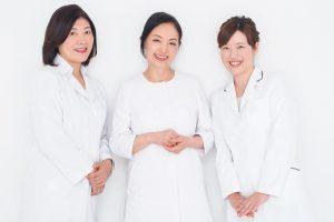 素敵女医の乾燥対策⑧/歯科医・眼科医・婦人科医の乾き対策について聞きました