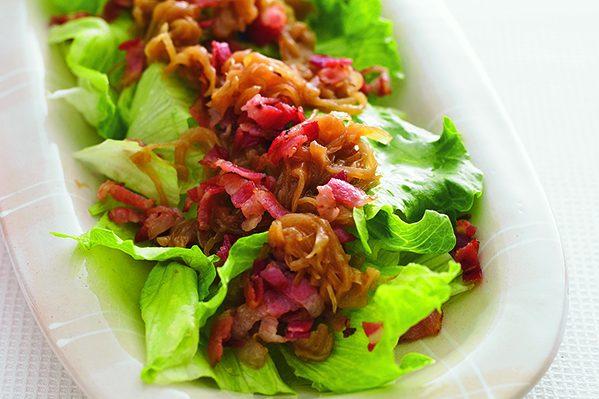 炒め玉ねぎストックを使った「レタスサラダの玉ねぎトッピング」/「週末作りたい」ストック⑯