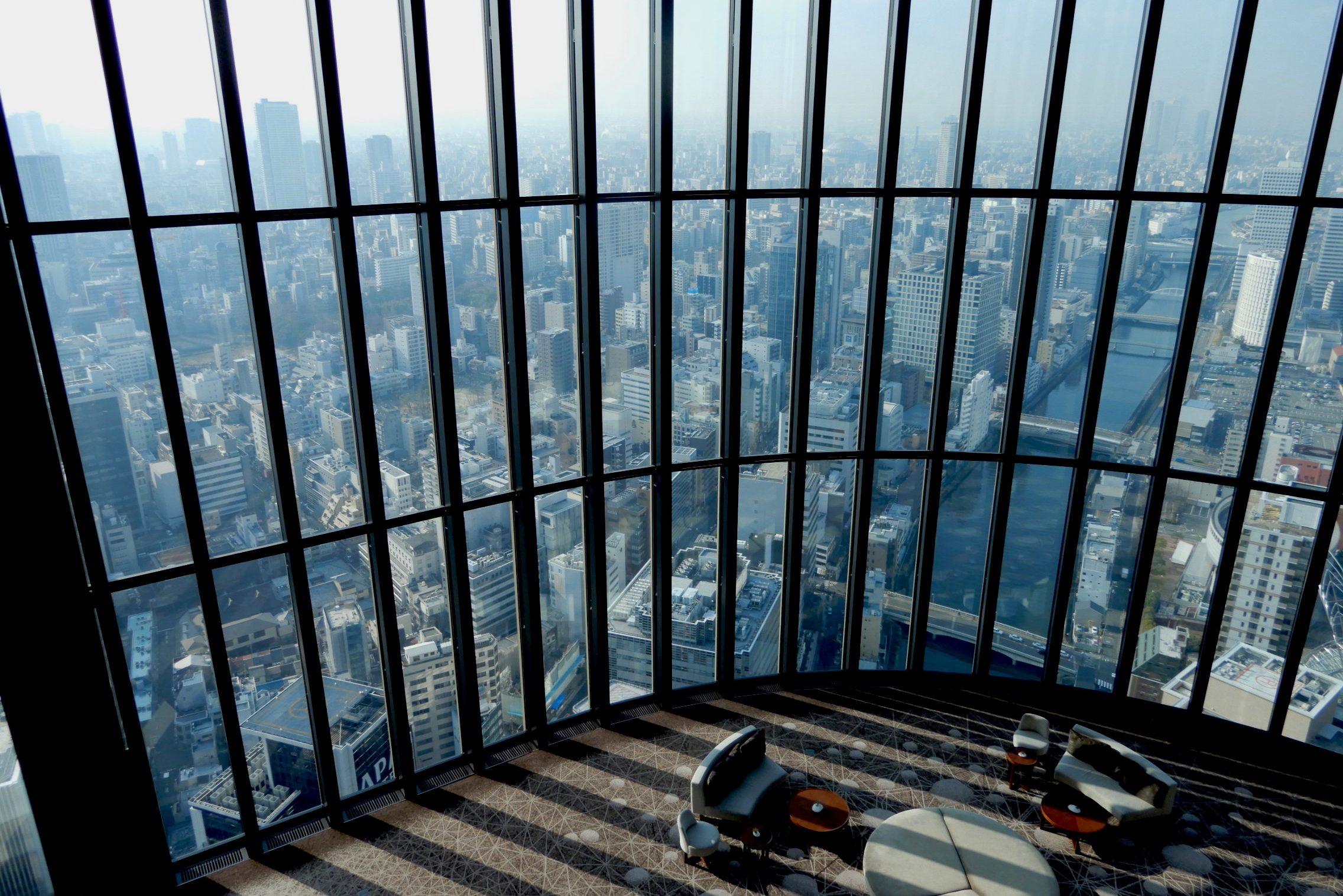大阪を見下ろす絶景、ラグジュアリーな「天空のスパ」で生き返る
