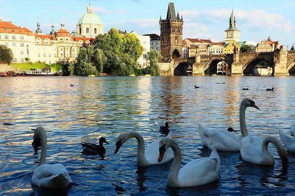 中世の街並みが残るプラハ一人旅 ( 前編)