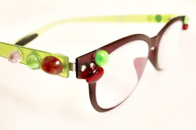 わずか15分で手持ちのメガネがおしゃれキラキラアイテムに!