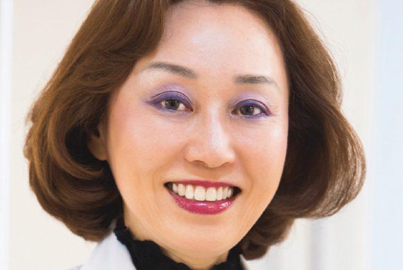 素敵女医の目の不調解消法⑧老眼対策・ケア編/まのえいこさん レーシックと白内障の手術を経験