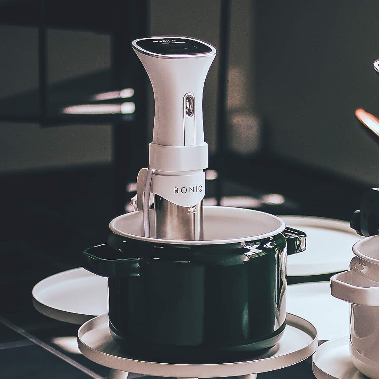 葉山社中 真空低温調理器「BONIQ」(シルキーホワイト)