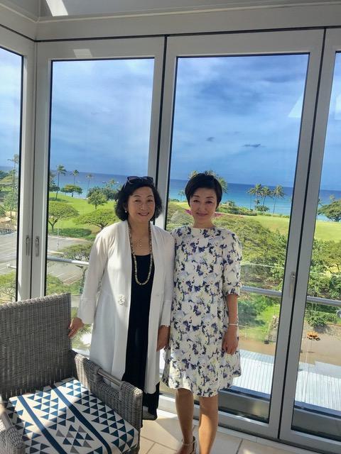 美容家、オーガニックスペシャリストの吉川千明さんと対馬ルリ子女性ライフクリニック銀座理事長で産婦人科医・医学博士の対馬ルリ子さん写真。
