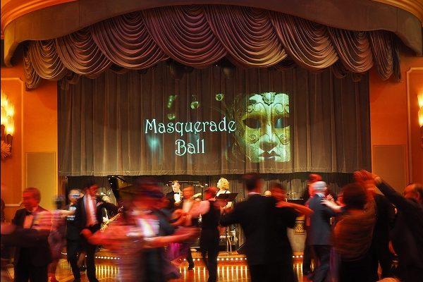 豪華客船で優雅に日本一周の旅  その3 人生最初で最後?の仮面舞踏会