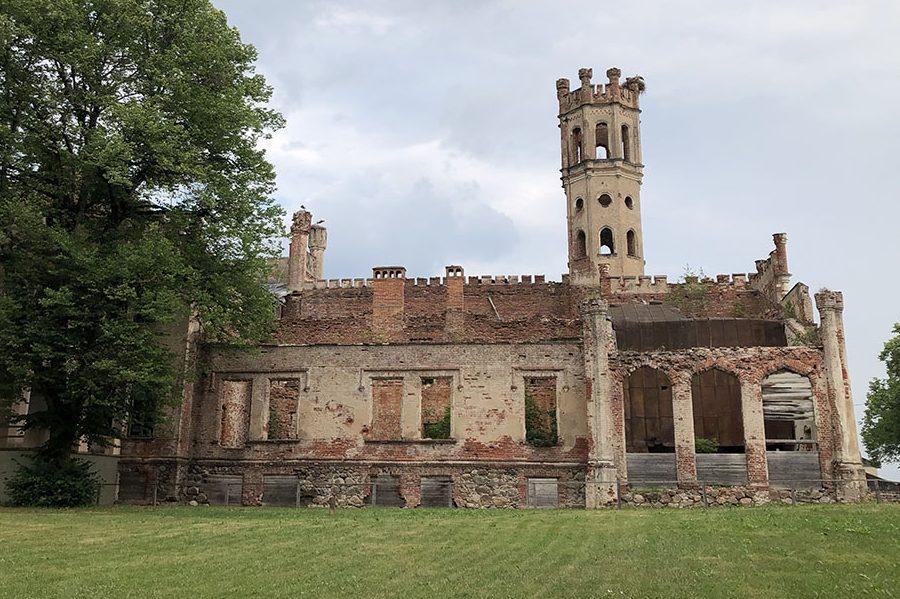 ラトビアの歴史的マナーハウスに宿泊