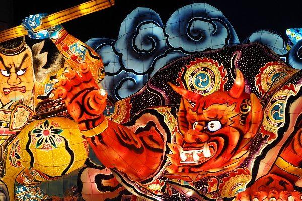 ねぶた祭りと青森観光で日本の夏を堪能