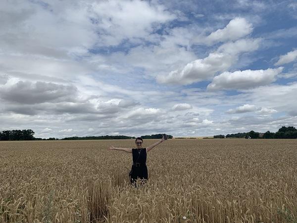 小林さん 麦畑