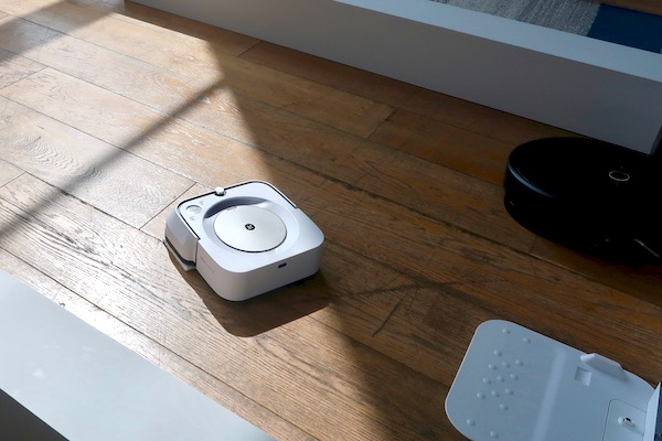 さらに進化した床拭きロボット、ブラーバ。水拭きに部屋の識別、ルンバとの連携も!?