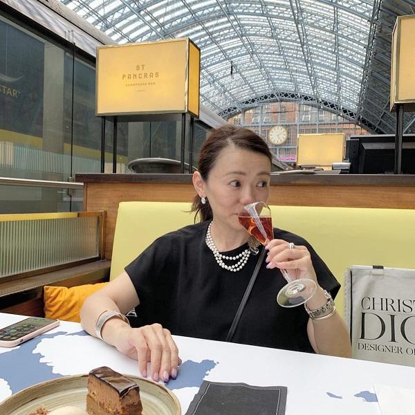 小林さん シャンパン
